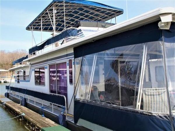 Sumerset Houseboats Aluminum Hull w/Catwalks