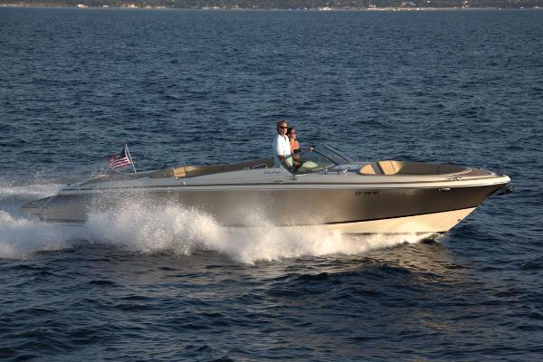Chris-Craft Launch 34 Manufacturer Provided Image: Manufacturer Provided Image
