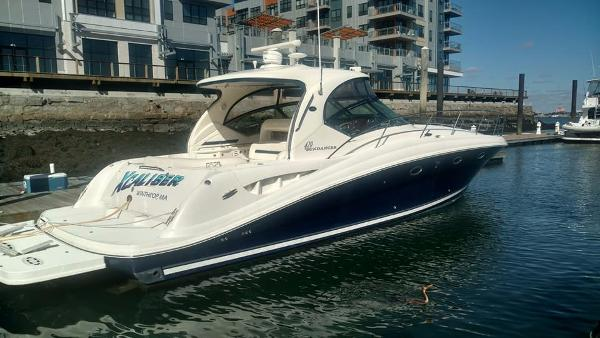 Sea Ray 420 Sundancer Starboard Side I