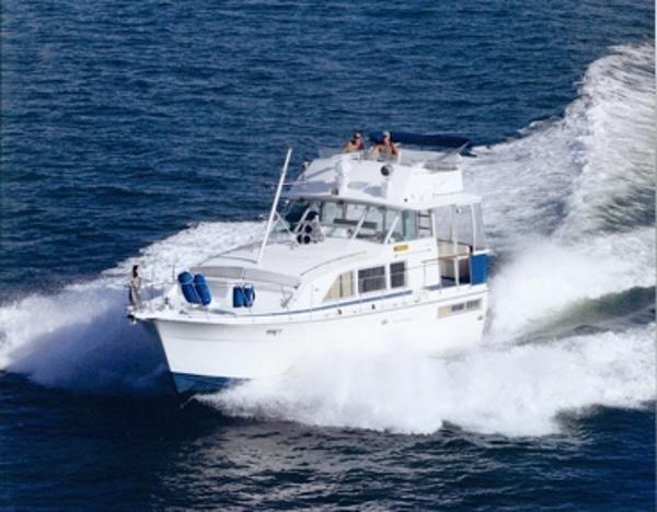 Bertram 42 Flybridge Motor Yacht Happiness