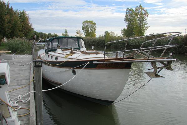 Young Sun Oceanic 43 Dockside