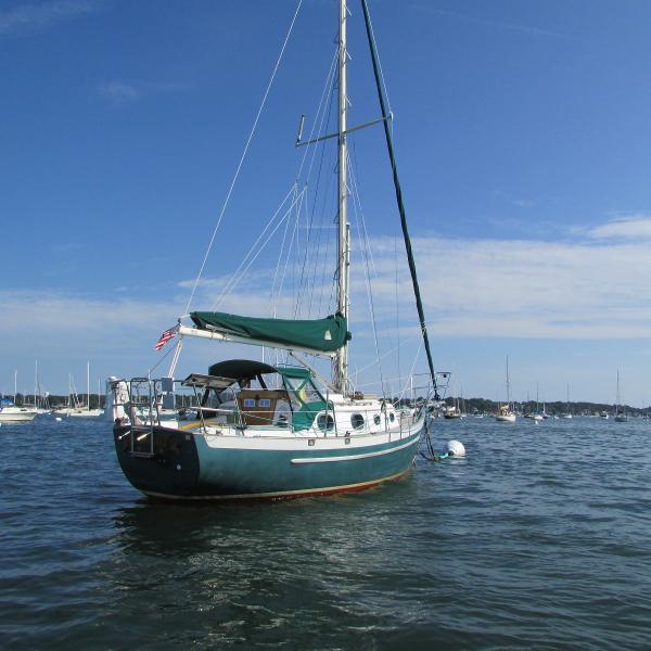 Pacific Seacraft Dana 24 Starboard quarter
