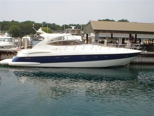Cruisers Yachts 5470 Express