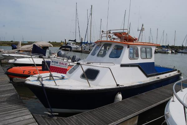 "Offshore 24ft Fishing Boat Fishing Boat ""Blue Moon"""