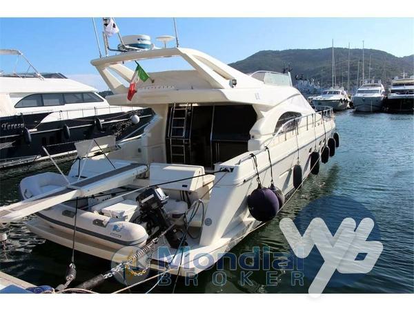 Ferretti Yachts 53 FLY