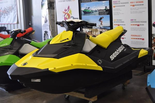 Sea-Doo Spark 3-Up Rotax 900 HO ACE iBR & Convenience Pkg Plus