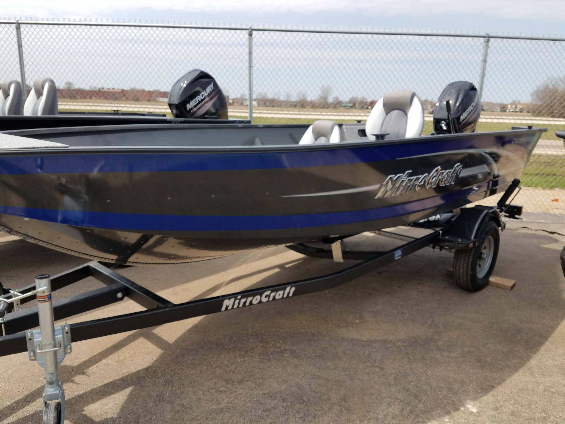 MirroCraft 167T Outfitter