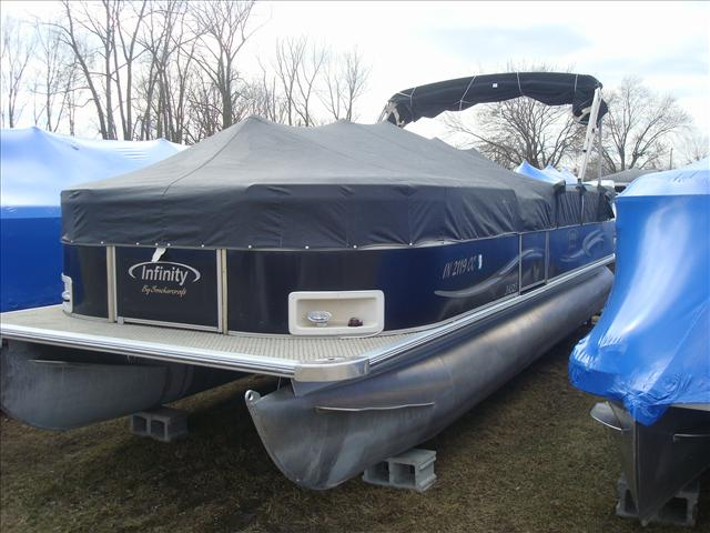 Smoker Craft Pontoons Infinity S8525 RE