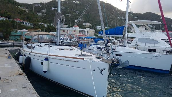 Jeanneau Sun Odyssey 469 Silver Girl front view
