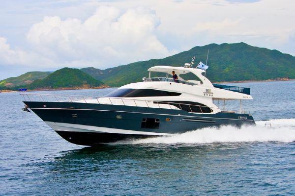 Grand Harbour Ruby Motor Yacht Runing shot