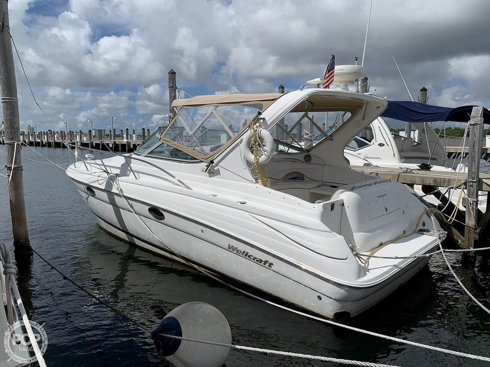 Wellcraft 3300 Martinique 2000 Wellcraft 3300 Martinique for sale in Miami Beach, FL