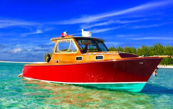 Lyman-Morse Monhegan 25' Enjoying the Bahamas