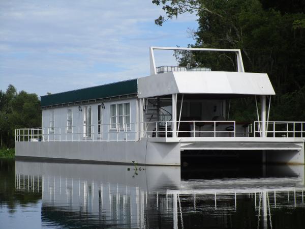 Custom Houseboat 117' Custom Houseboat