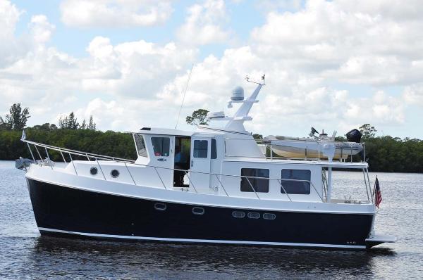 American Tug 41 Trawler Port Profile