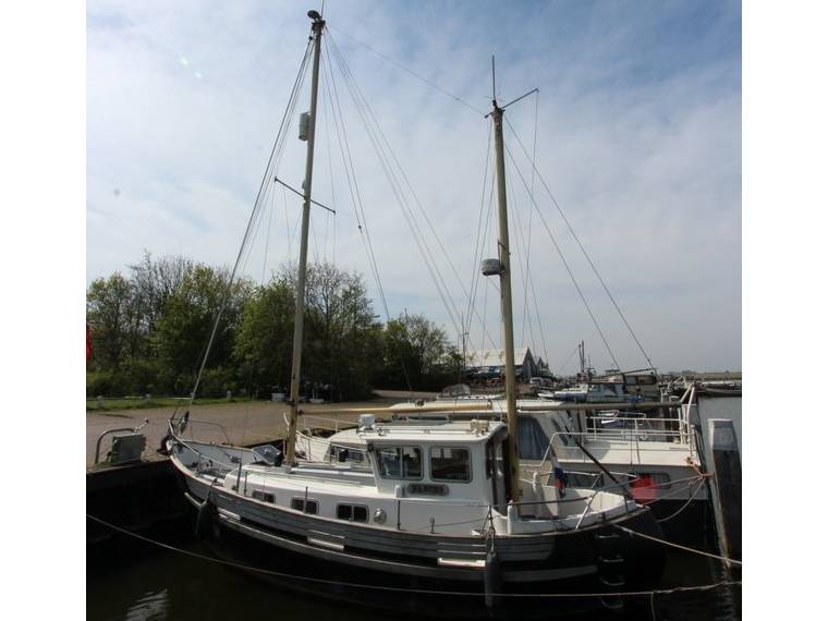 Fisher 30 Ketch Motorsailor