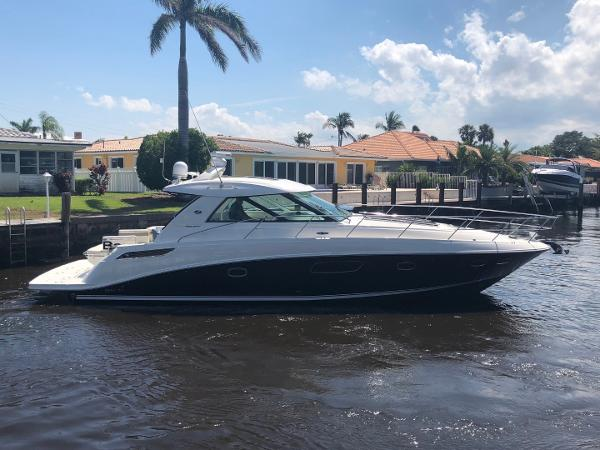 Sea Ray 450 Sundancer 2011 Sea Ray 450 Sundancer - Strbrd Profile