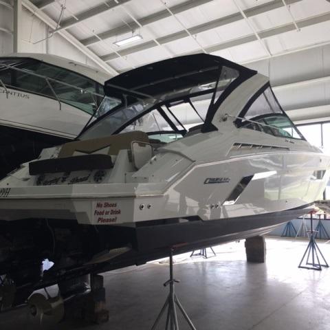 Cruisers Yachts 338