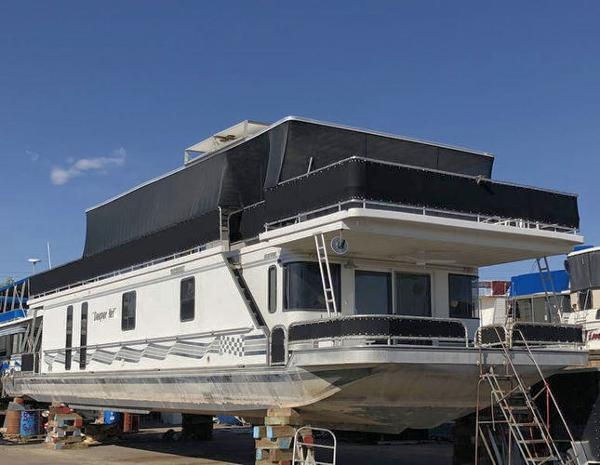 Sumerset 70 x 18 Houseboat
