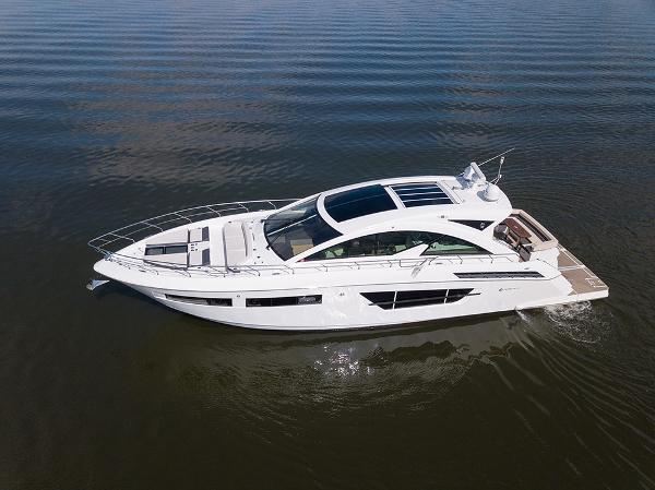 Cruisers Yachts 60 Cantius Port profile