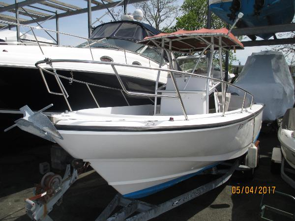 Boston Whaler 24 Outrage Best Boat