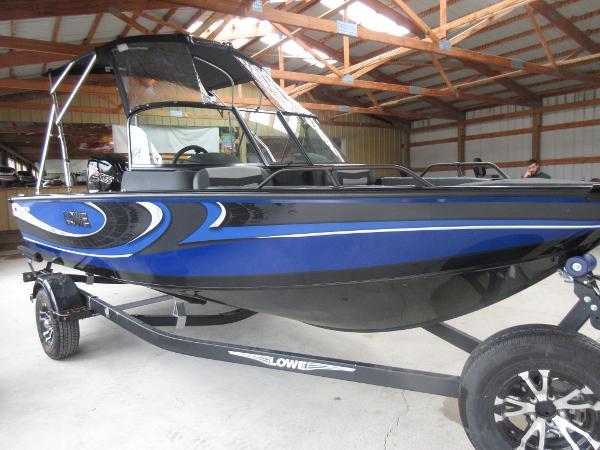 Lowe FS 1800 Fish & Ski