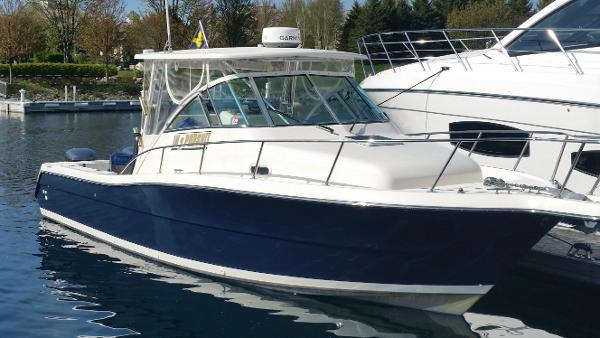 Pursuit 3070 Offshore Center Console 30' 2002 Pursuit Offshore Center Console