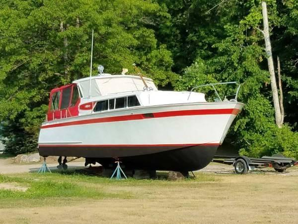 Chris-Craft Roamer Dry Docked