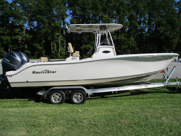 AB NauticStar 25 XS