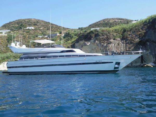 Cantieri Di Pisa AKHIR 25 S Cantieri di Pisa AKHIR 25 S - YEAR 1993 - Timone Yachts Dealer