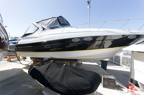 Regal 3560 Commandor Starboard Side