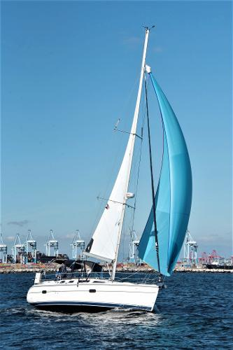 Hunter 36 Actual boat Spinnaker under sail, stb tack deep reach