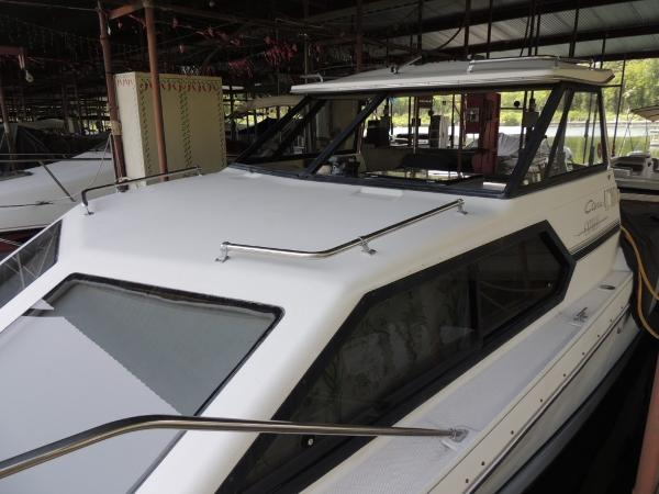 Bayliner 2452 Ciera Classic Port Cabinside