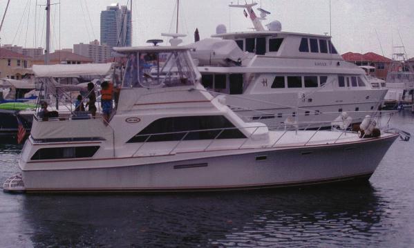 Ocean Yachts Sunliner Aft Cabin Motoryacht