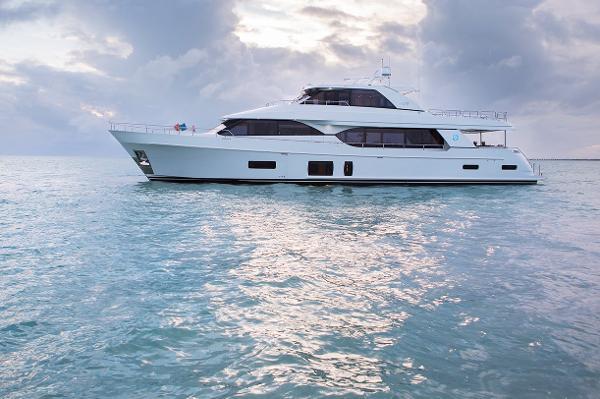 Ocean Alexander 100 Motoryacht Flybridge
