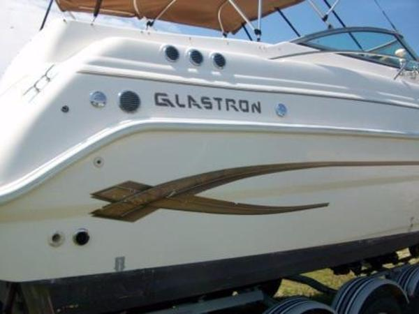 Glastron GS 279