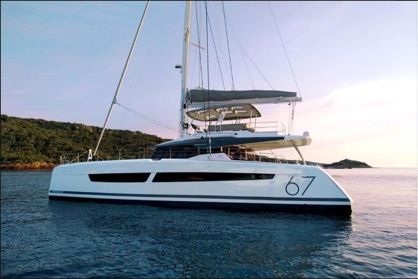 Fountaine Pajot 67