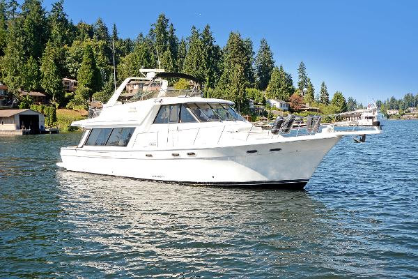 Bayliner 4788 Pilot House Motoryacht Well Kept 4788