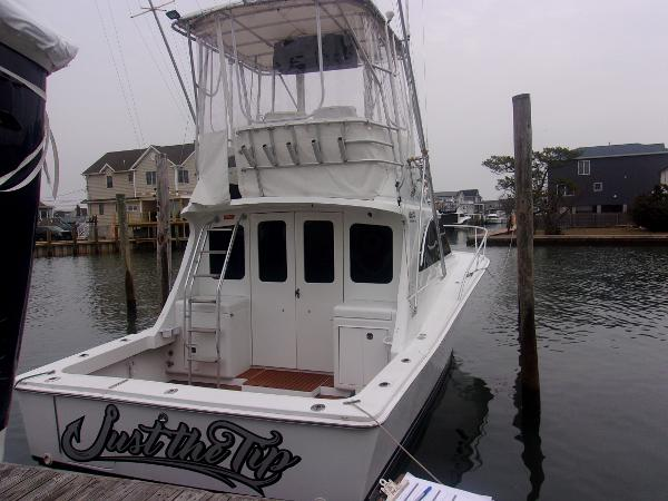 Luhrs Tournament 320 Convertible