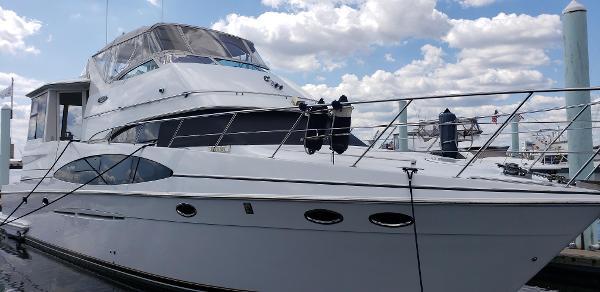 Carver 564 Cockpit Motor Yacht