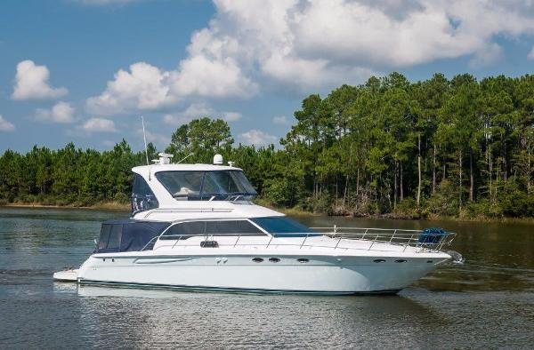 Sea Ray 480 Sedan Bridge Starboard Profile