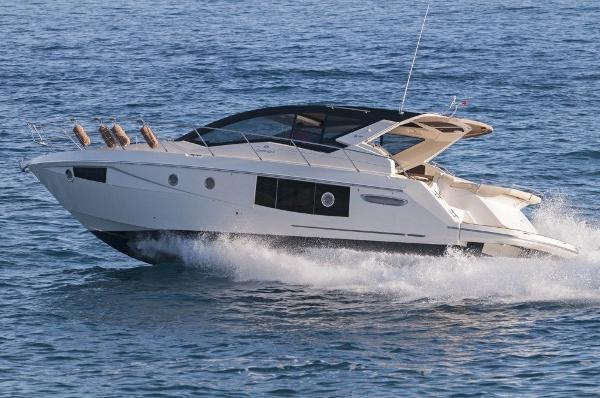 Cranchi M 44 HT CRANCHI M44 hard top seven yachts