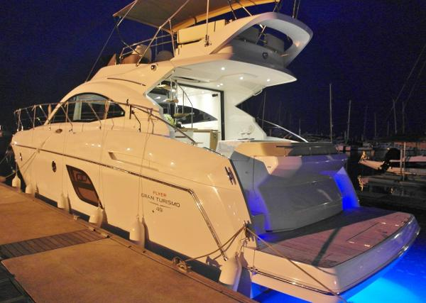 Beneteau Gran Turismo 49 Fly Motor Yacht