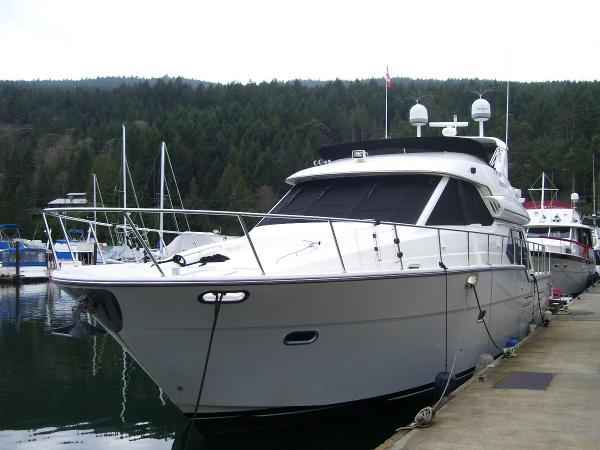 Bayliner 5288 Bow