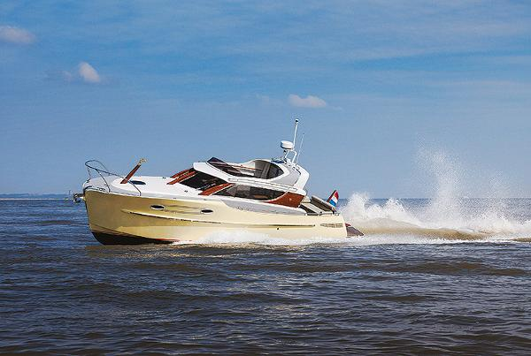 Esquire Yachts 35 Esquire Yachts 35 exterior