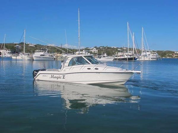 Boston Whaler 345 Conquest Profile