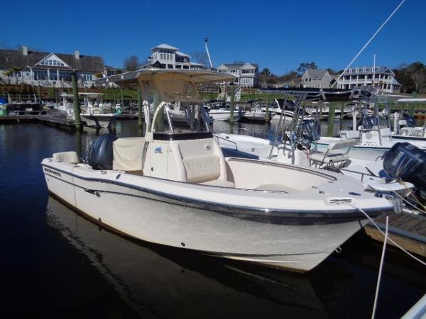 Grady-White 209 Fisherman Starboard profile