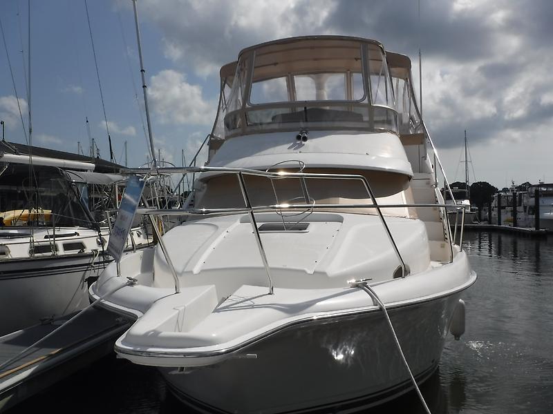 Silverton Motor Yacht DSCF0512.JPG