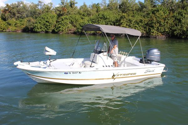 Seaswirl 2152 Bay Boat