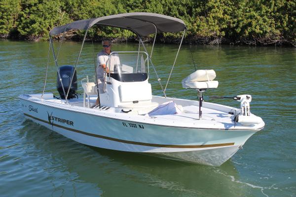Seaswirl 2152 Bay Boat
