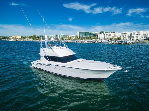 Hatteras 50 Convertible Sleek, Lean and Fast